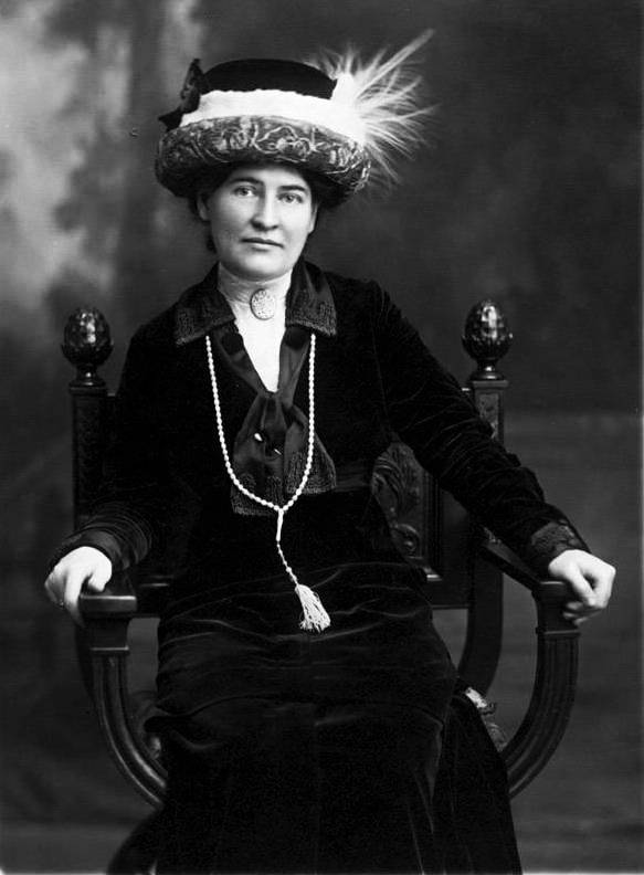 A picture of the author Willa Cather